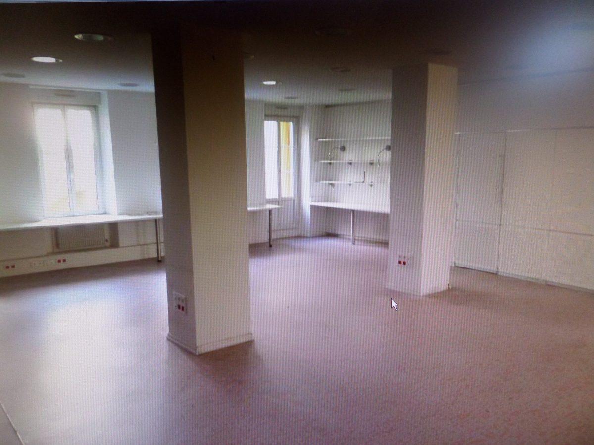 bureaux de 122 98 m a louer strasbourg rue de la m sange chapitre de saint thomas. Black Bedroom Furniture Sets. Home Design Ideas